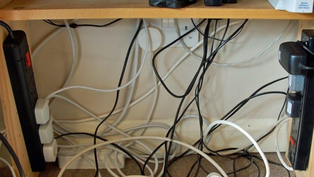 Få styr på kabler og ledninger
